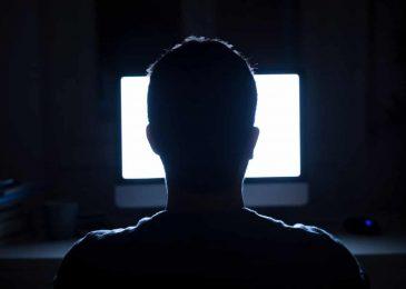 إدمان الإنترنت ، تعريف وأعراض وأسباب الإدمان على الإنترنت
